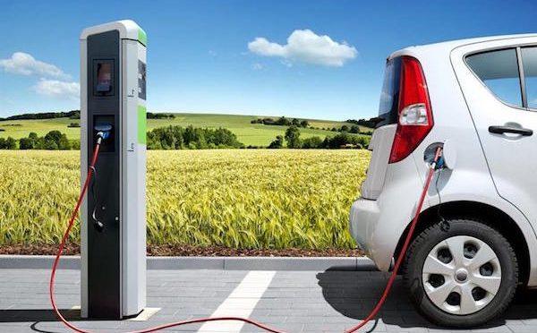 """Mozione Consiliare """"Installazione di Colonnine di ricarica elettrica per automobili e promozione  della mobilità sostenibile"""""""